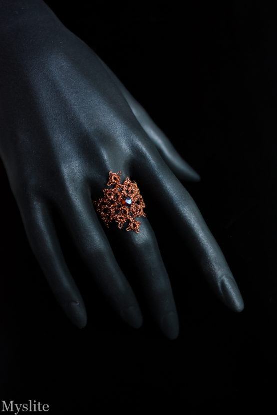 Bague en dentelle cuivrée avec cristal Swarovski ambre