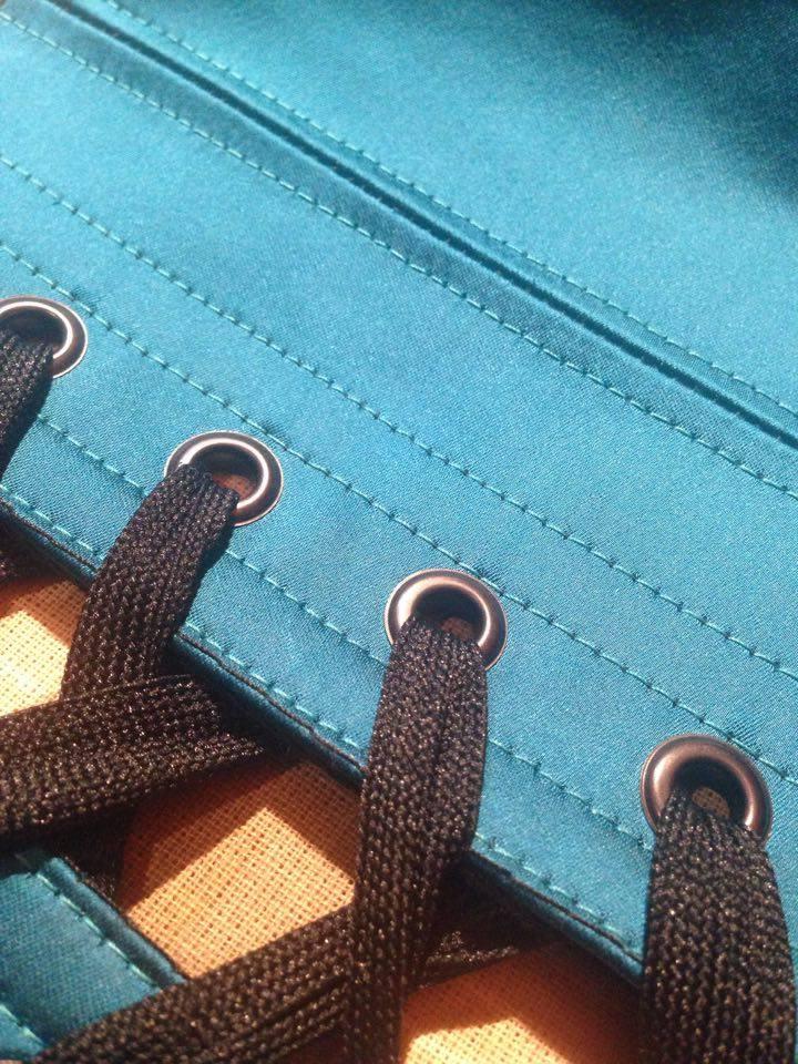 Laçage de corset Myslite noir et bleu