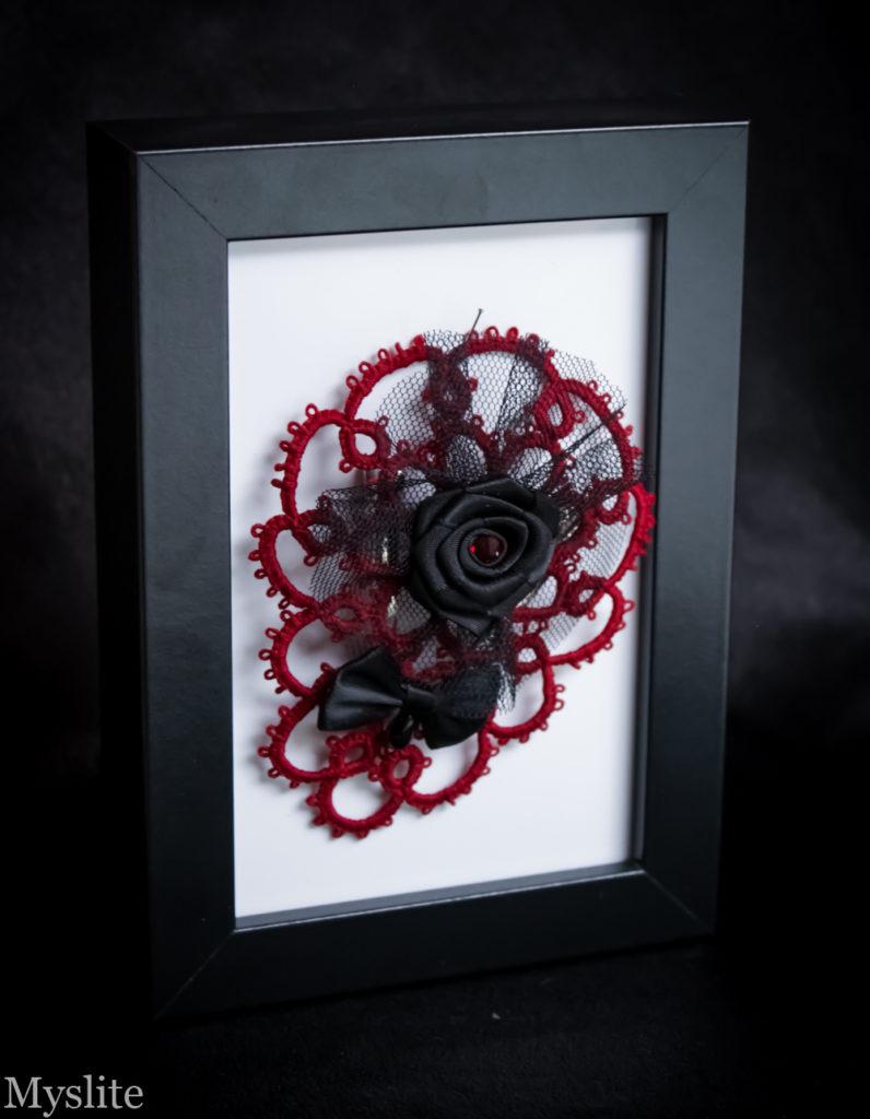 Bijou de tête en dentelle rouge bordeaux avec rose et noeud en satin noir et tulle noir