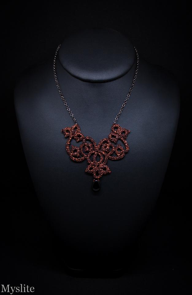 """Collier pendentif gothique Victorien en dentelle cuivrée métallisée """"Juliette"""""""