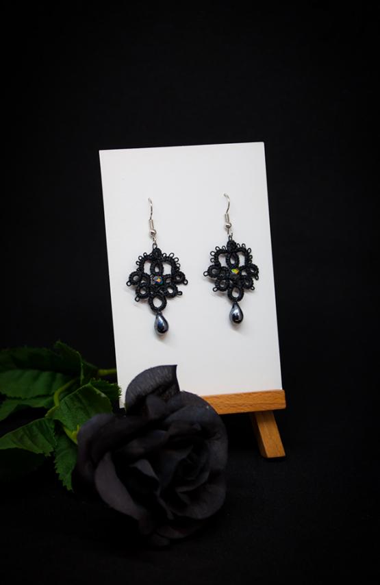 Boucles d'oreilles Joséphine en dentelle noire avec cristal Swarovski opale blanche et perle décorative argent